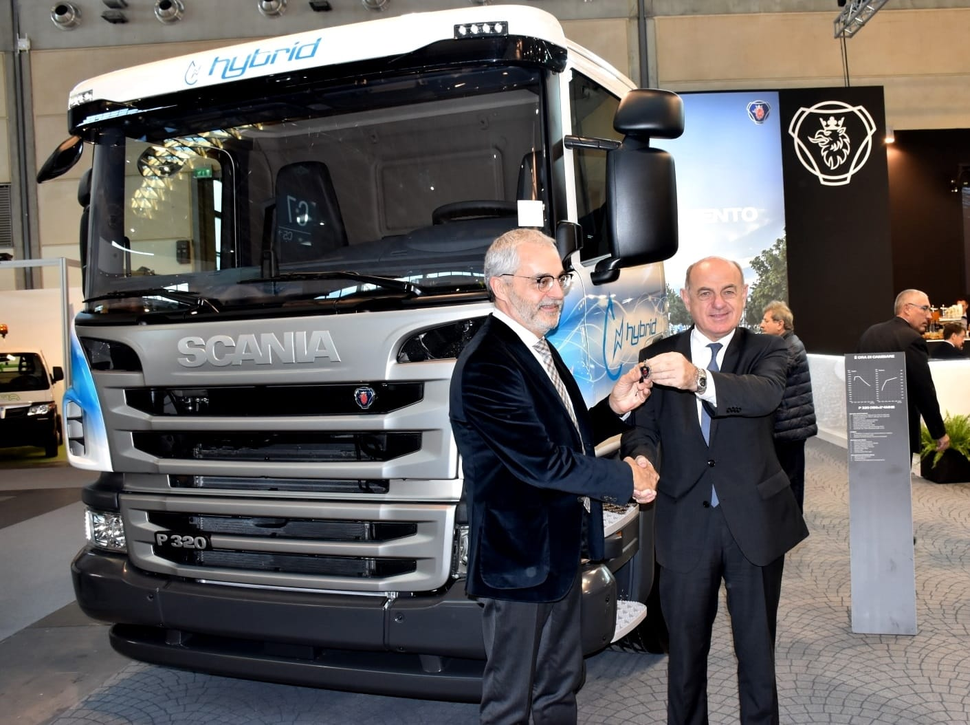 Scania consegna a  Gorent il primo autocarro Euro 6 ibrido.