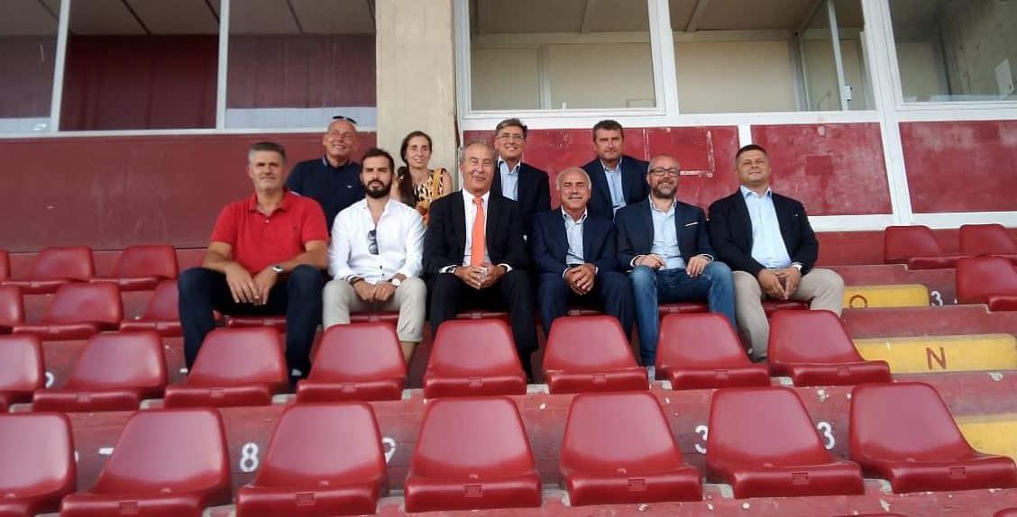 Revet_seggiolini_stadio_2
